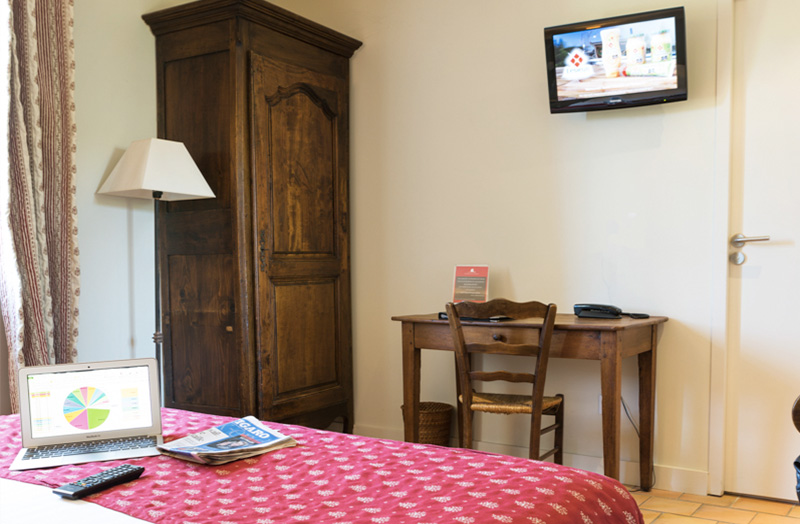 chambre-double-209-lit-king-size - Domaine de Cabasse