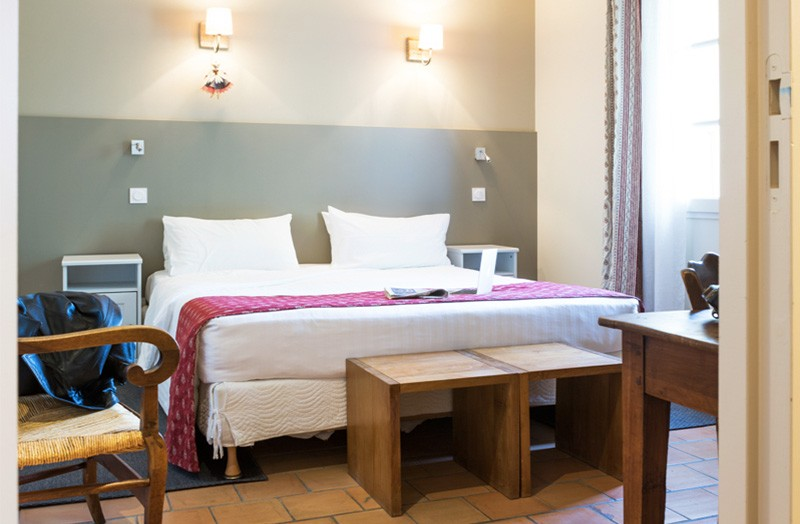 chambre-double-209-lit-king-size-domaine-de-cabasse - Domaine de Cabasse