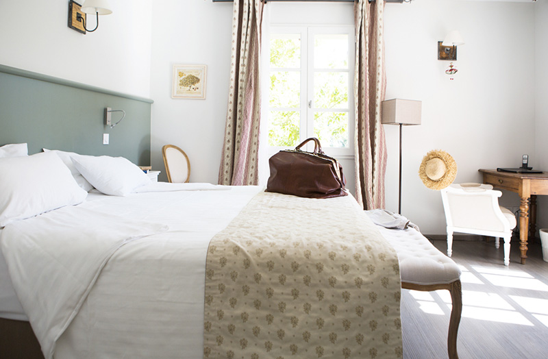 grande-chambre-211-lit-double-king-size-domaine-de-cabasse - Domaine ...