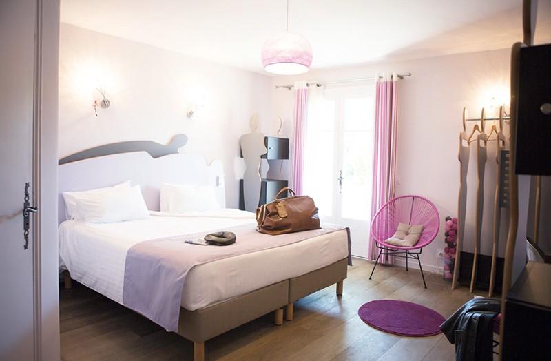 grande-chambre-109-ambiance-glamour-domaine-de-cabasse - Domaine de ...