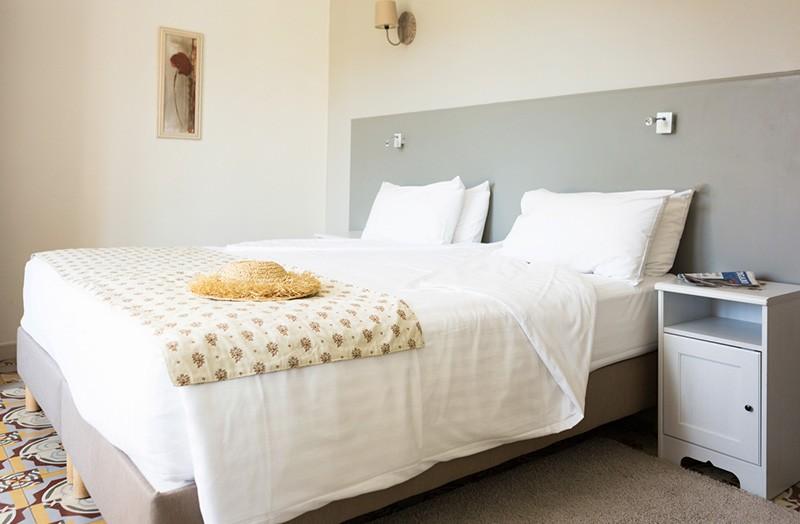 chambre-102-lit-double-king-size-domaine-de-cabasse - Domaine de Cabasse