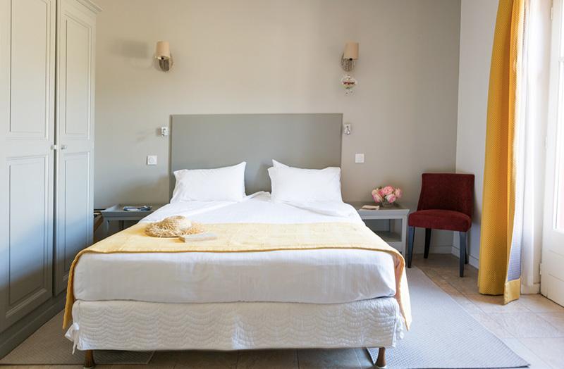 chambre-double-105-lit-queen-size - Domaine de Cabasse