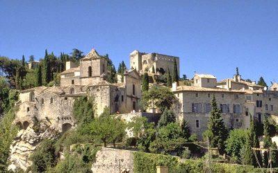 Provenzalischen Dörfer und berühmte Sehenswürdigkeiten