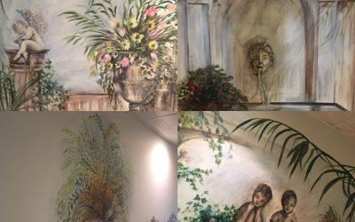 """""""Antique"""" Dekoration für den ersten Stock Korridor der Domaine de Cabasse"""