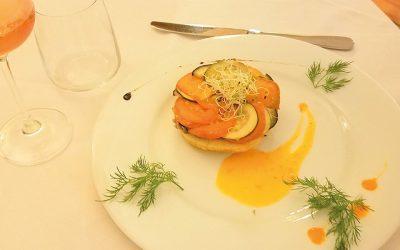 Tians von Gemüse und Thunfisch, Way Tatin, Konfit von Zwiebeln, Zucchini und Auberginen