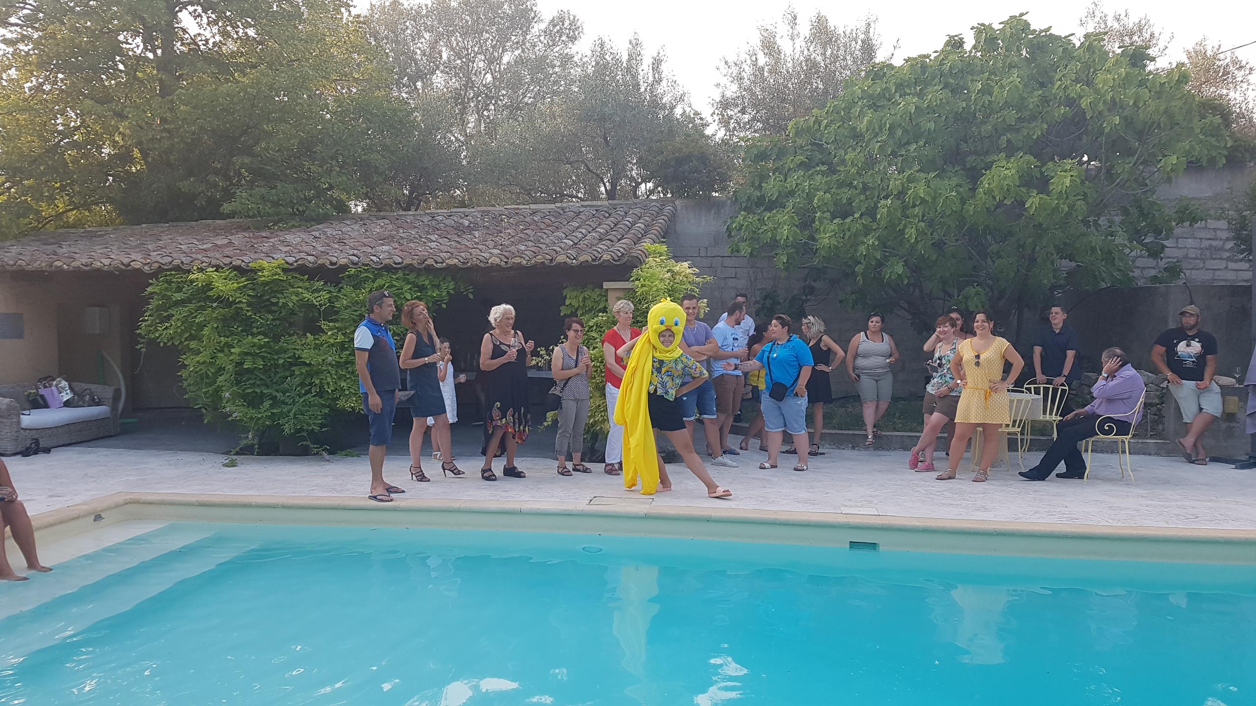 Noémie fête son BTS entourée de ses collègues et amis au Domaine de Cabasse!