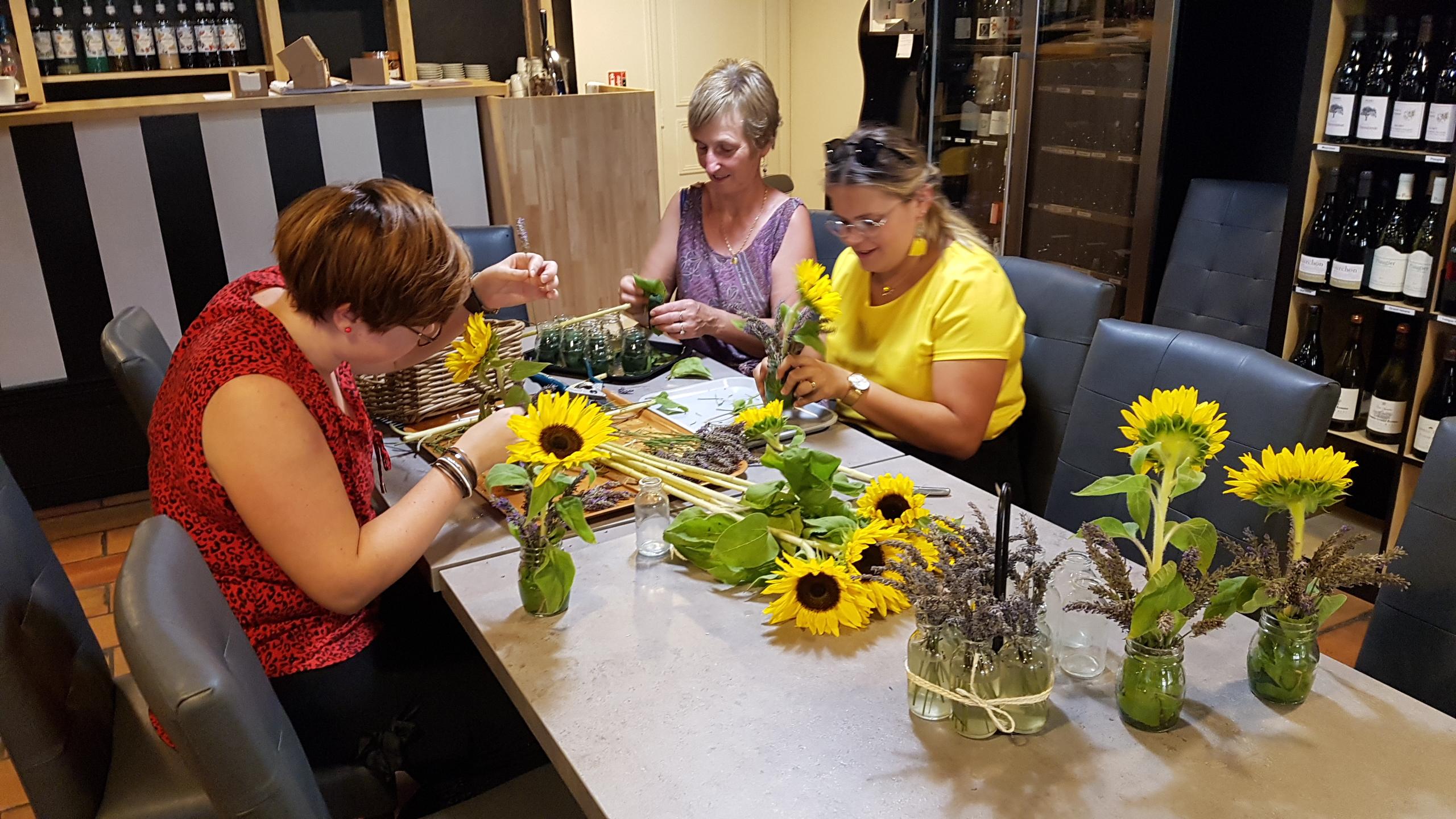 Après la Lavande,  les jolis tournesols ornent nos tables !